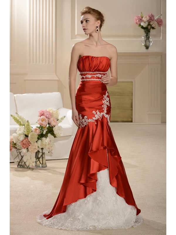 Elegant Appliques Trumpet/Mermaid and Lace Hot Sell Strapless Wedding Dress