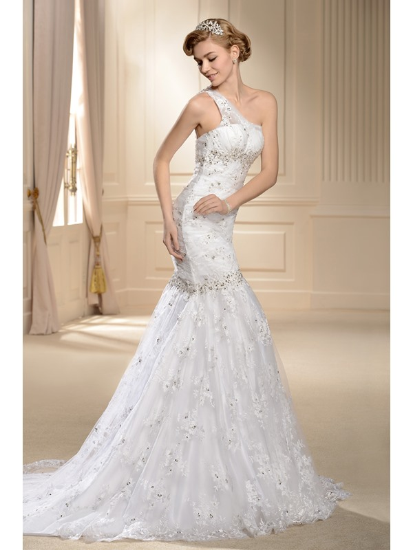 Mermaid One-shoulder Chapel Train Lace Wedding Dress