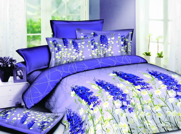 Enchanting Dark Royal Blue and White 4 Piece Cotton Bedding Sets with Florlas Printing