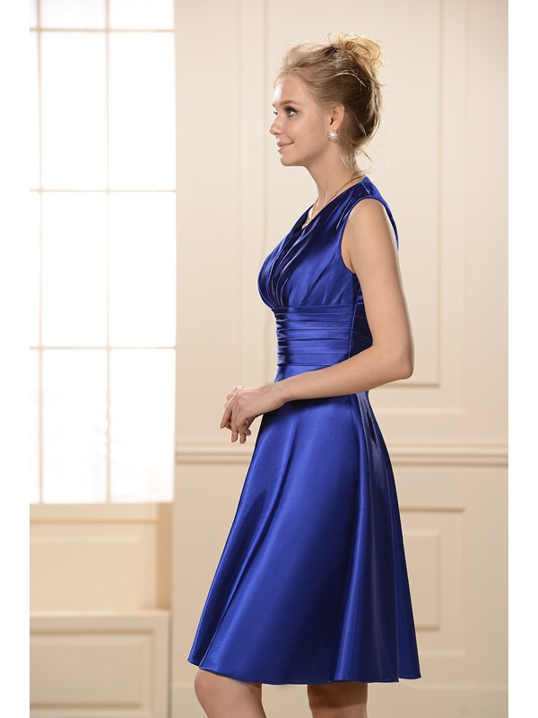 Simple Style Ruched A-Line Knee-Length V-Neck Bridesmaid Dress
