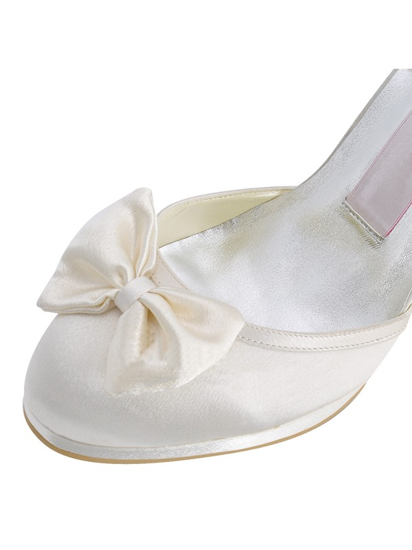 Breathtaking Pearl Belt Double Bowknots Wedding Shoes