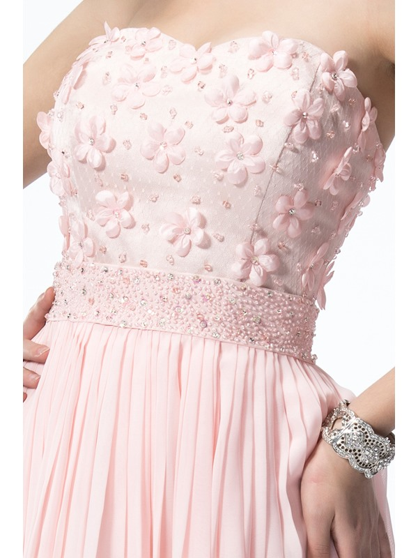 Lovely A-Line Sweetheart Flowers Beading Knee-length Homecoming Dress