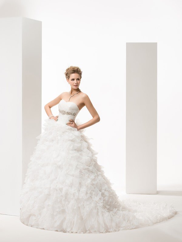 Brilliant Ball Gown Strapless Chapel Tiered Wedding Dress