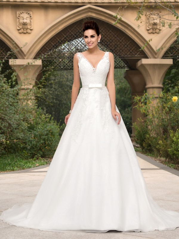 Lace Appliques V-Neck A-Line Ivory Wedding Dress