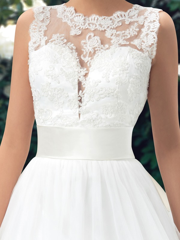Scalloped Lace Jewel Neck Backless Floor Length A-Line Wedding Dress(Free Shipping)