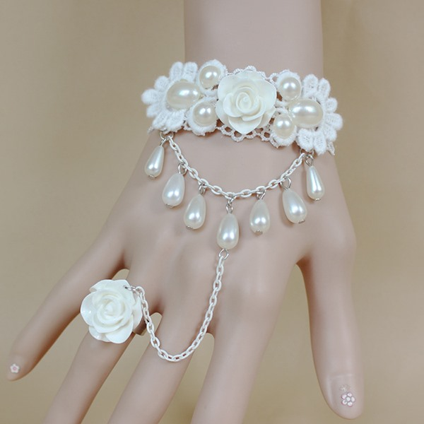 Pure White with Ring Pearl Bracelet