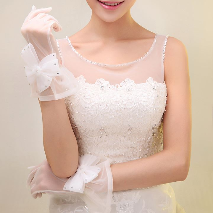 Simple Style Ruffles Beaded Flower White Wedding Gloves