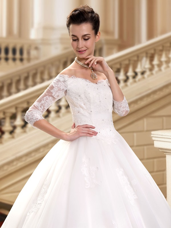 Eye-catching Sweetheart Off The Shoulder Lace Appliques Long Sleeve Wedding Dress