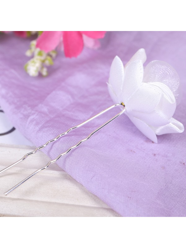 White Flower-Shaped Bridal Hairpins