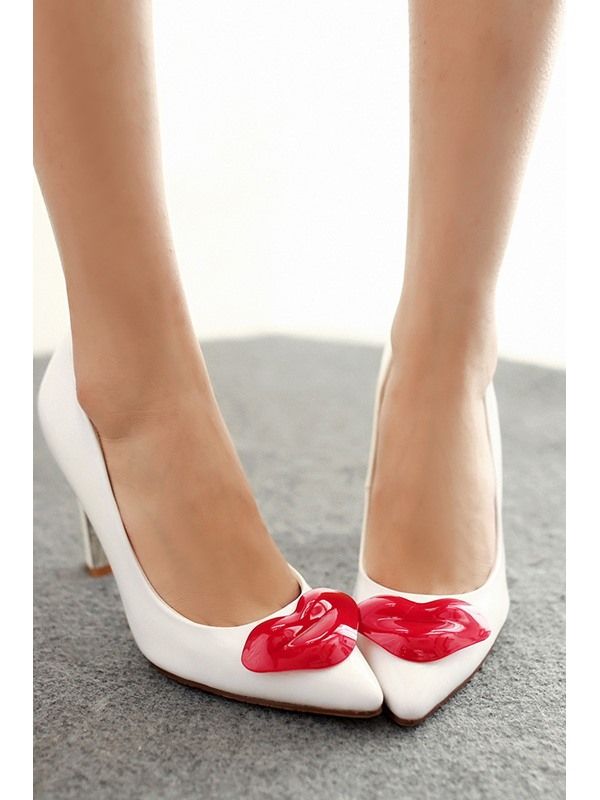 Lips Decorated Solid Color Pointed Toe Pumps
