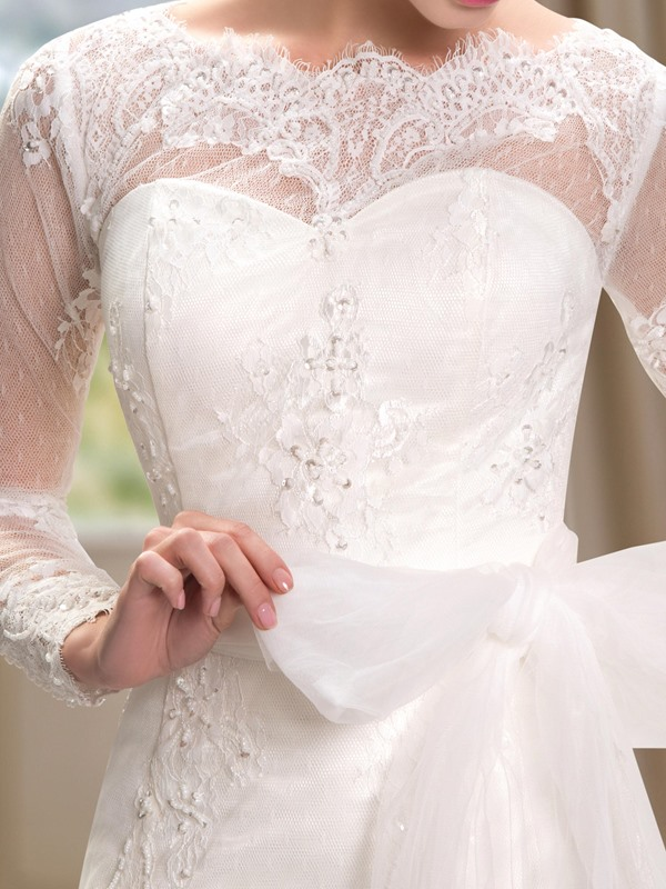 Lace Bateau Neck Long Sleeve Wedding Dress