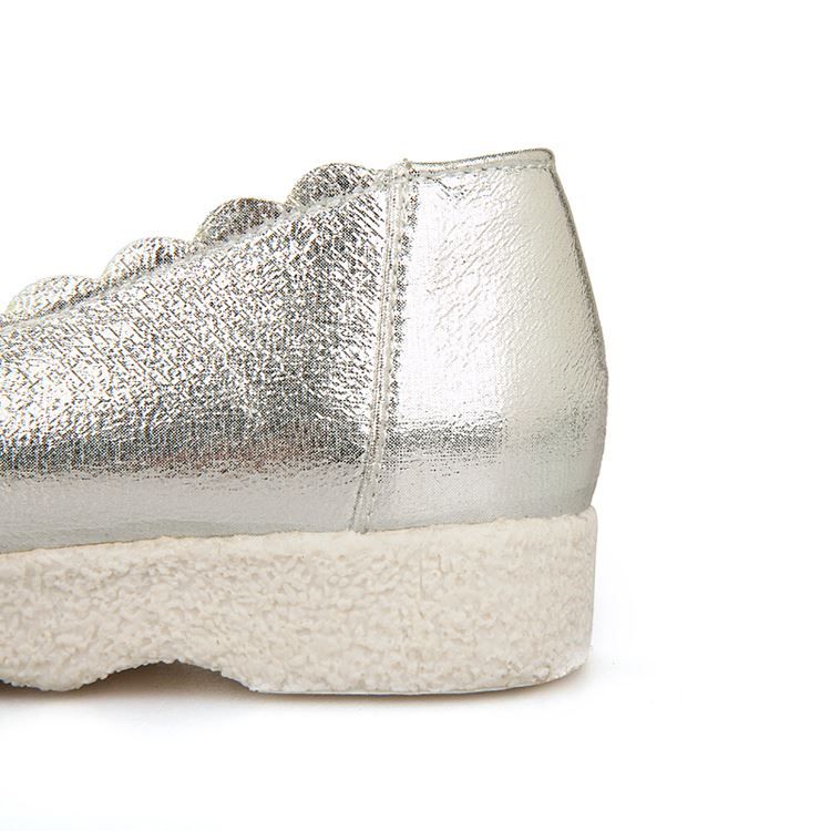 Wave Brimmed Solid Color Glitter Flats