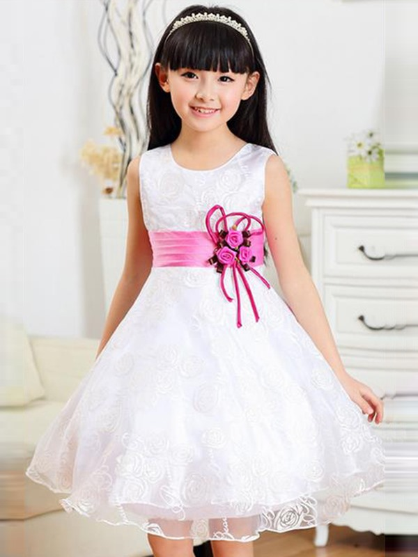 White Floral Decorated Girl's Lace Dress