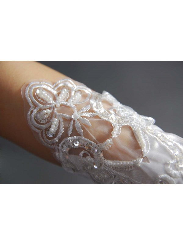 High-quality Lace Gloves