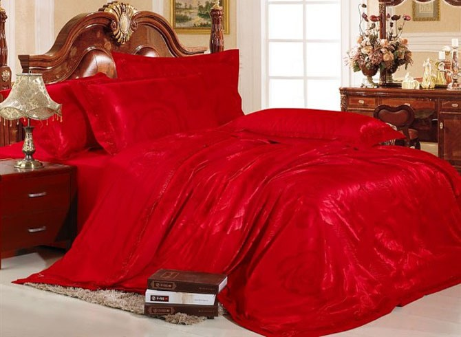 Beaming Red 4 Piece Silk-like Bedding Sets