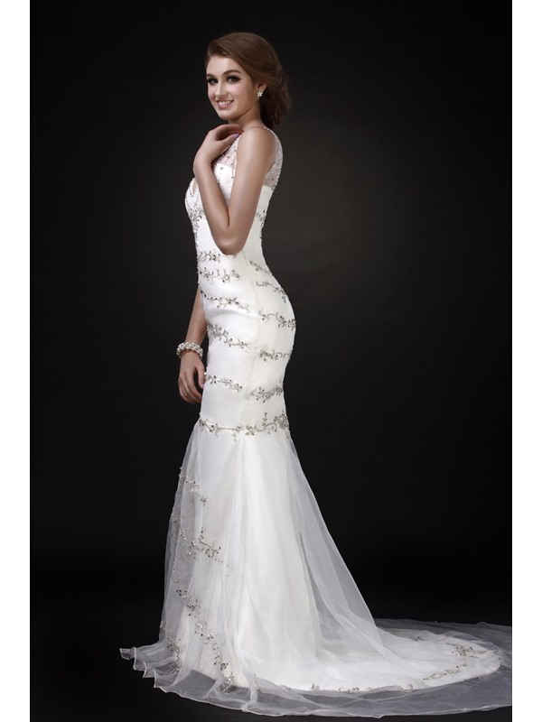 Fabulous V-neck Court Trumpet/Mermaid Embroidery Roxy's Wedding Dress