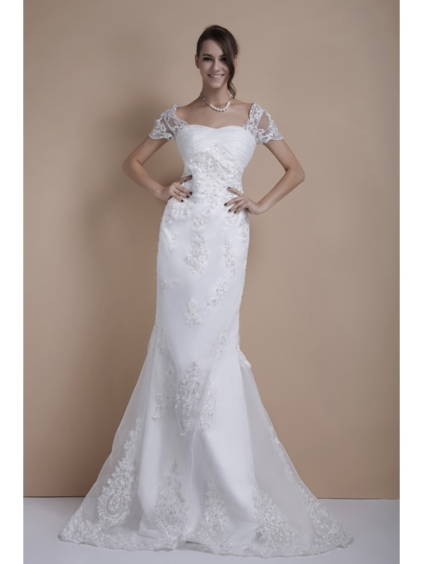 Glamorous Trumpet/Mermaid Short Sleeves Appliques Court Train Sandra's Wedding Dress